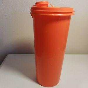 Vintage Tupperware Pour Container w/ lid Orange